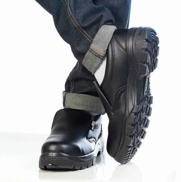 รองเท้าเซฟตี้แบบสวม จากญี่ปุ่นเบา ทนทาน