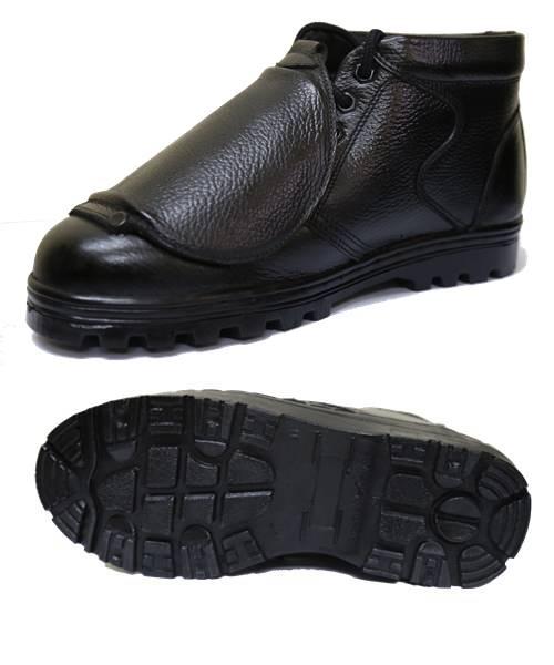 รองเท้าเซฟตี้แบบมี Guard ปิดอีกชั้น รุ่น Protector Plus