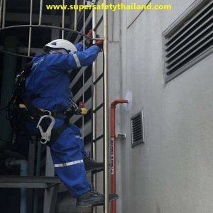 lifeline safety บนหลังคา ทำงานที่สูง รับติดตั้งตามลูกค้า